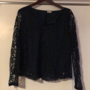 Navy color lace hollister blouse !!